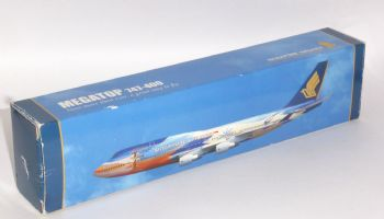 Boeing 747-400 Singapore Airlines Risesoon Collectors Model Scale 1:250 EJ